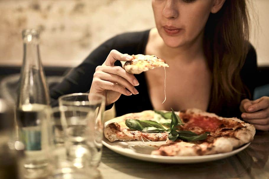 Woman Eating more food in the night during pregnancy